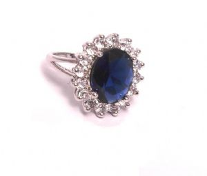 "Kate Middleton Sapphire CZ ""Princess Diana"" Royal Engangement Ring -Prop Replica (Size 7)"